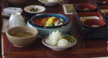 02-4海鮮丼.JPG